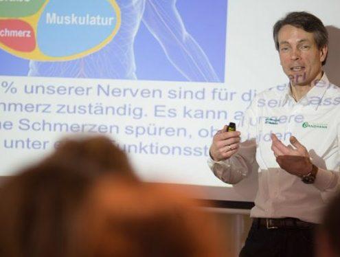 Jaan Peer Landmann Votrag Gesundheitsforum Chiropraxis Landmann bei Hamburg