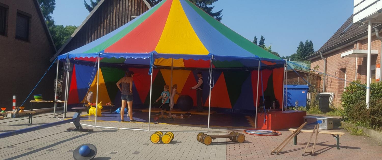 Chiropraxis Landmann Kids Day Mitmach Zirkus Tribühne