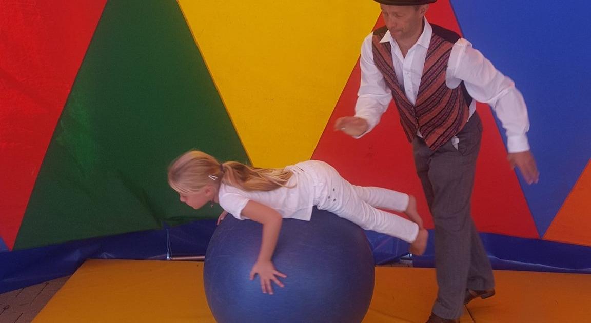 Chiropraxis Landmann Kids Day Mitmach Zirku Tribühne